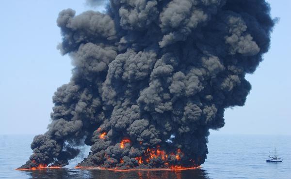 《Crude Awakening 》Jane Fulton Alt 警戒我们 —— 石油泄漏危机